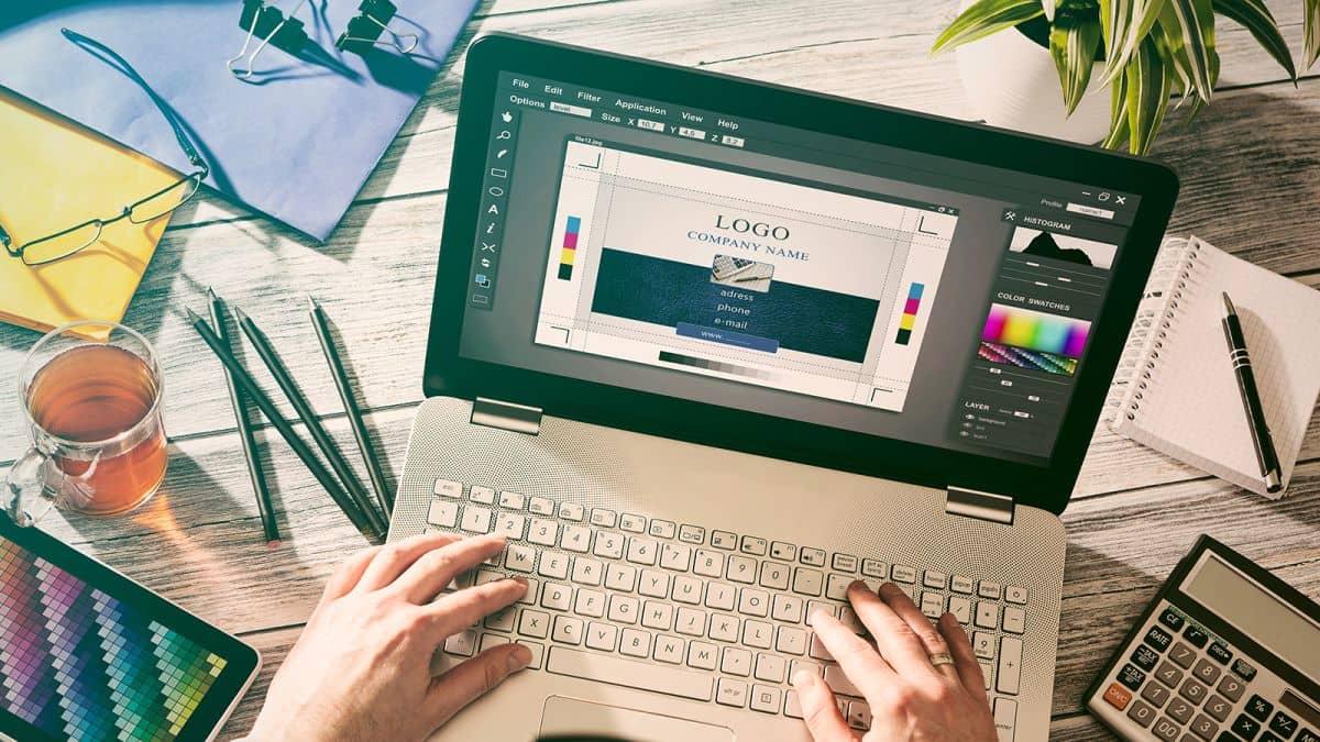 Çıkarttığı yaratıcılık programları ile neredeyse herkesin beğenisini kazanan ve piyasada çok yüksek bir kullanım oranına sahip Adobe, tüm hizmetlerini bir araya topladığ